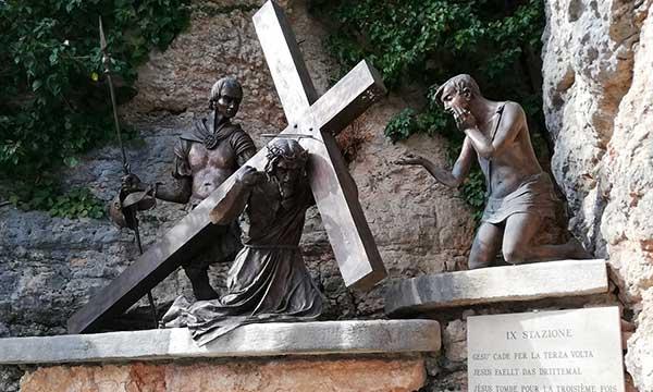 statua Santuario della Madonna della Corona