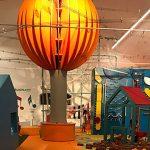 interno museo dei bambini di Verona con mongolfiera arancione