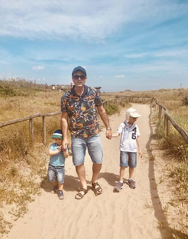 Papà con bambini Naturale di Porto Caleri
