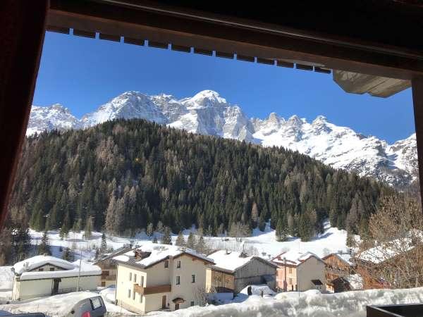 panorama hotel dolomiti dalla finestra